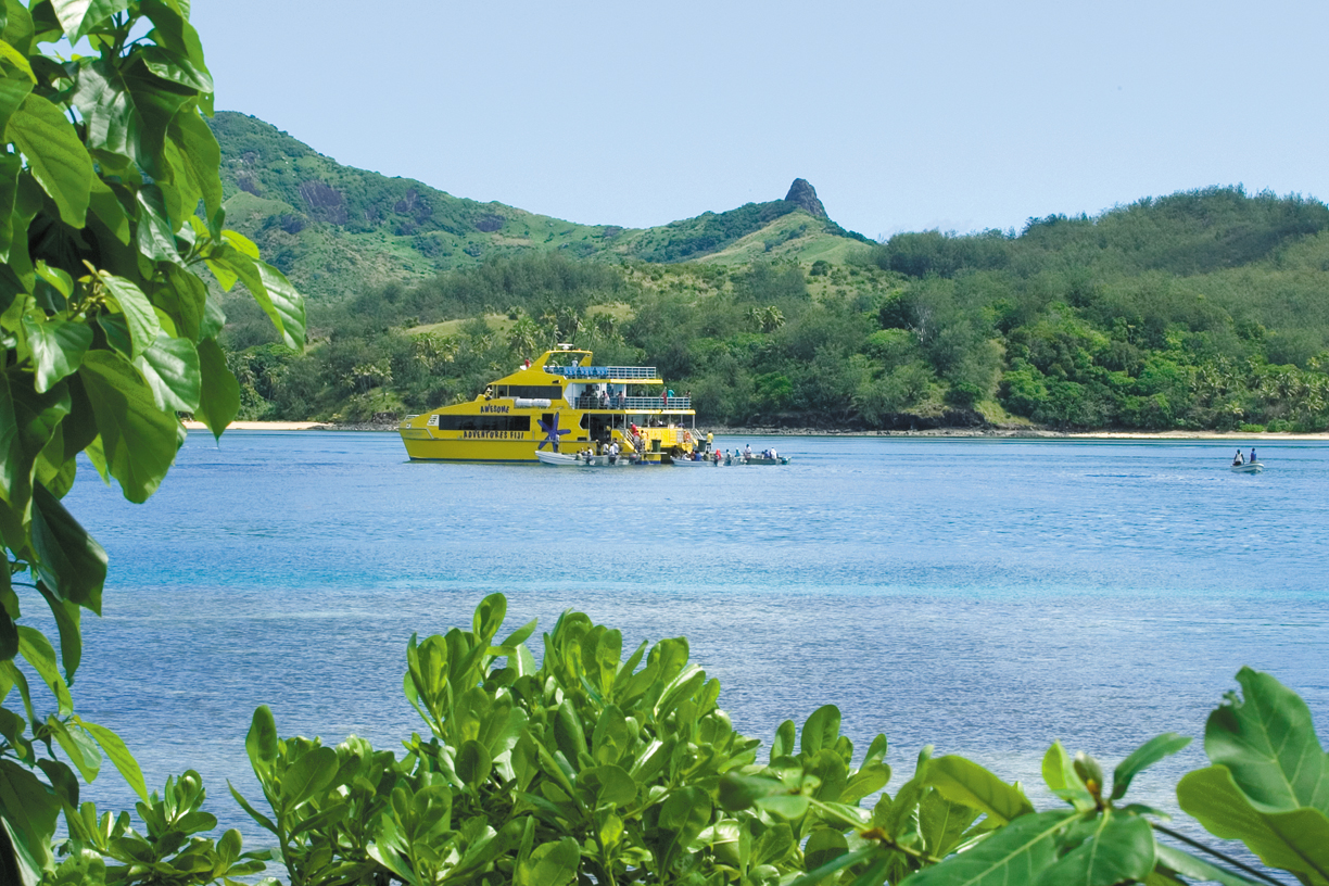 Cruise up through the Yasawa Islands