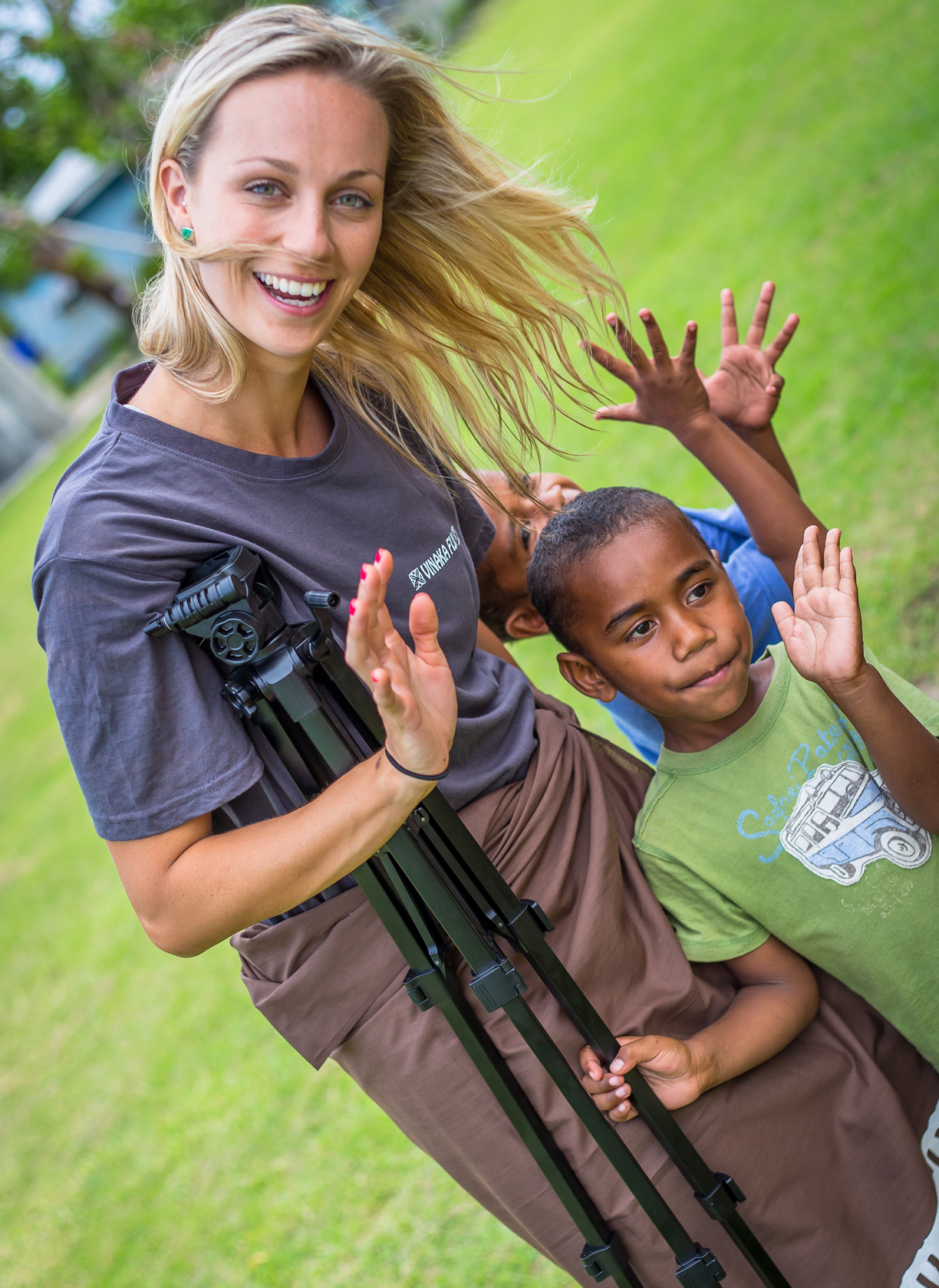 Volunteer with children in Fiji